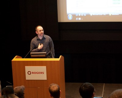 James-Standen-presenting-datamartist-at-democamp-toronto